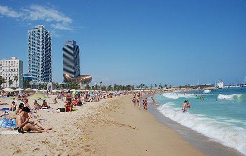 Paseando por la playa de La Barceloneta [Vídeo] - novedades