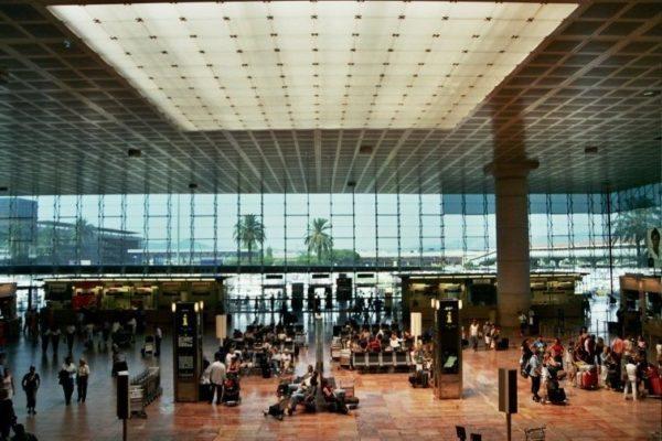 Aeropuerto Internacional de Barcelona [VÍDEO] - lugares