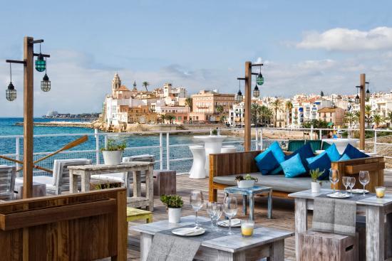 Vistas con sabor mediterráneo en Sitges - bar-y-restaurantes