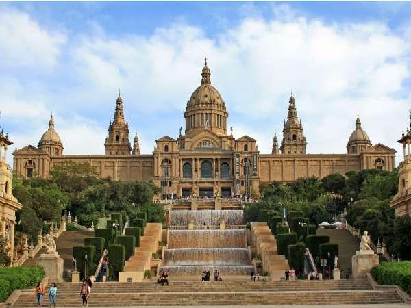 Todo lo que debes saber sobre el Palacio Nacional de Montjuïc de Barcelona - lugares