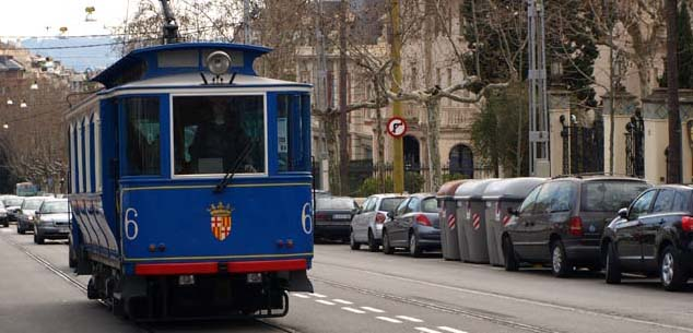 El tranvía azul de barcelona