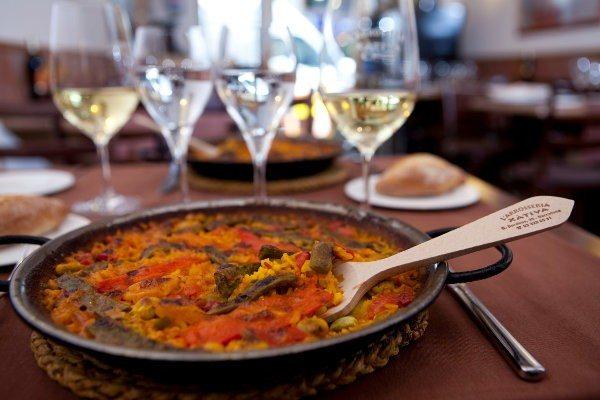 Comer una buena paella con cullereta en Barcelona - bar-y-restaurantes