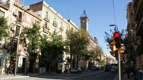 Todo lo que debes saber sobre el barrio de Sants en Barcelona - lugares