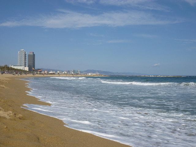 Como disfrutar de las playas de Barcelona en invierno - lugares