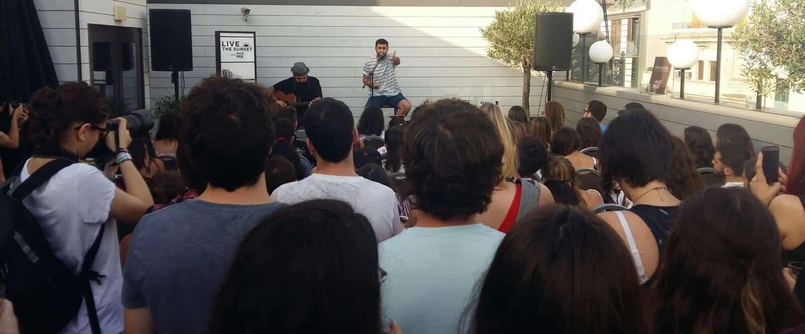 Nos fuimos al concierto de Rayden para la temporada de Live The Roof by Coca-Cola Mix. - eventos-en-barcelona
