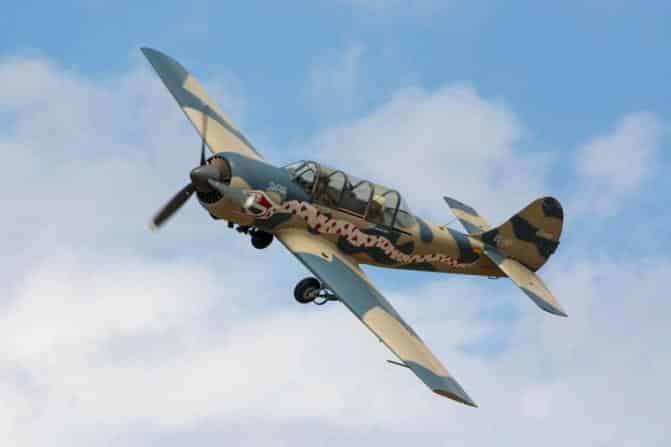 Experimenta pilotar un avión militar en Barcelona - novedades
