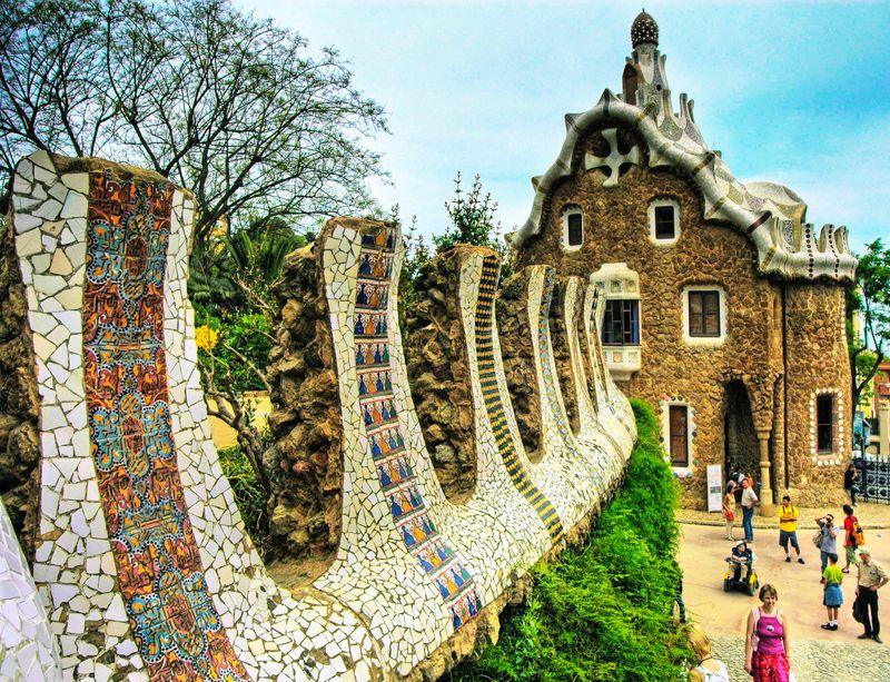 La historia del Parque Güell en Barcelona y por qué visitarlo - lugares