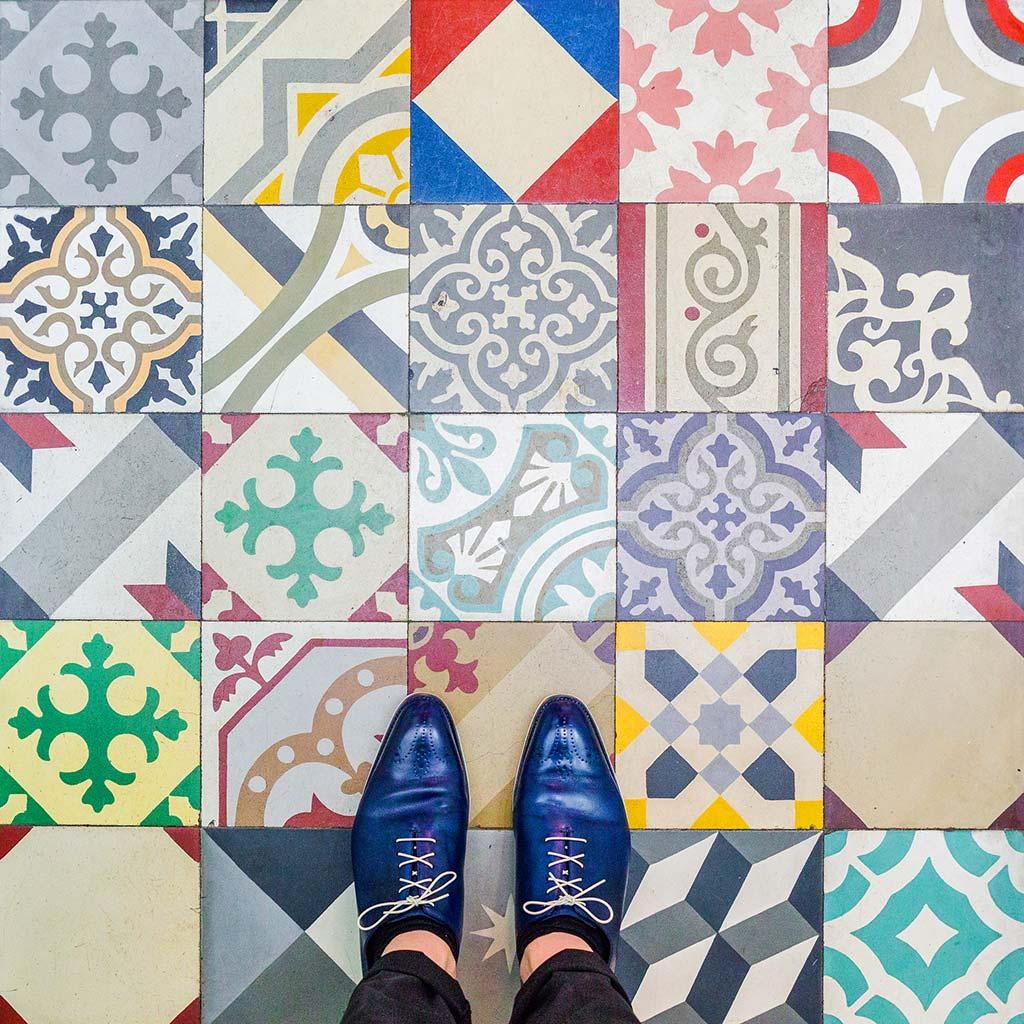 Mosaicos, baldosas y losetas que cubren el suelo de Barcelona - novedades, lugares