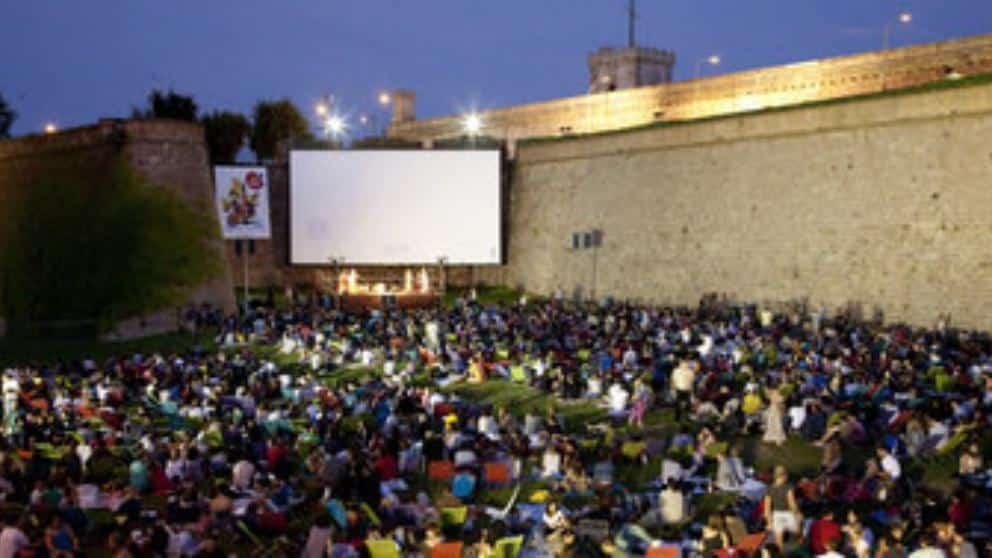 Ve al cine al aire libre en la sala Montjuïc y el Cinema Llure a la Platja - lugares, eventos-en-barcelona
