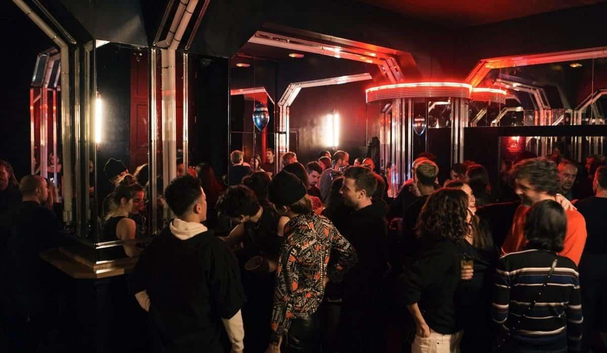 Abaixadors10, una discoteca con proyecto cultural - lugares, bar-y-restaurantes