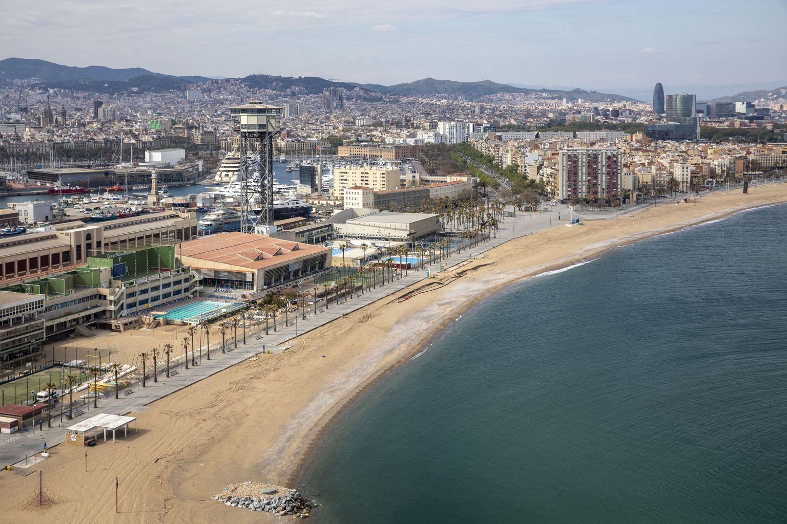 Barcelona reduce un 15% el número máximo de bañistas en sus playas - novedades, lugares