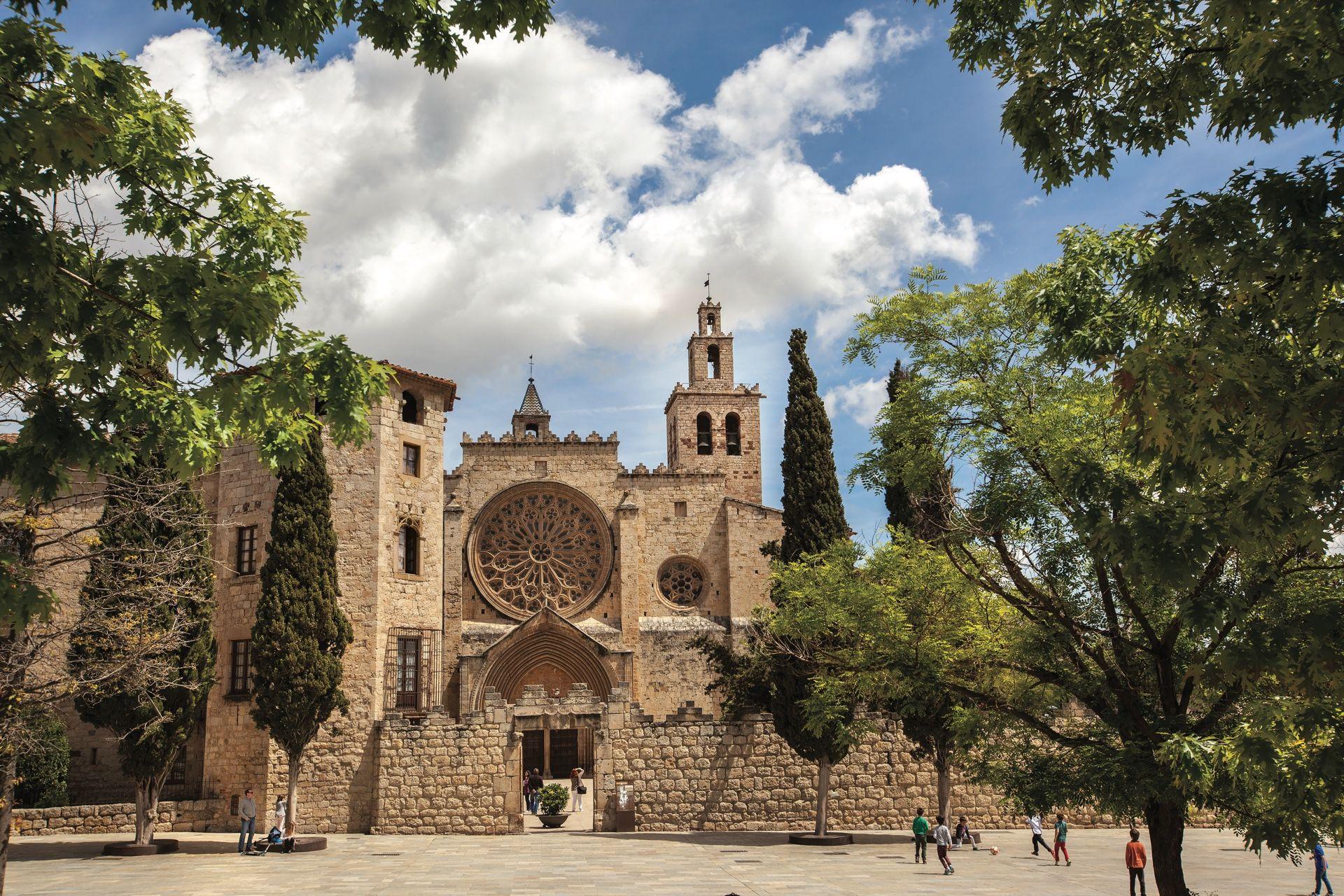 Pasea con tu familia en Sant Cugat - lugares, destacado