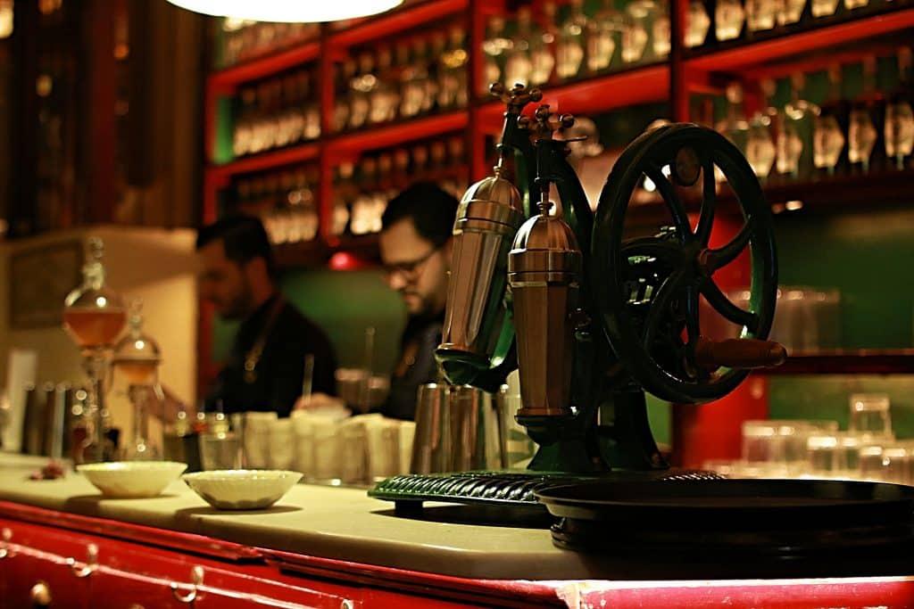 Disfruta de exquisitos cócteles en Dr Stravinsky - novedades, lugares, bar-y-restaurantes